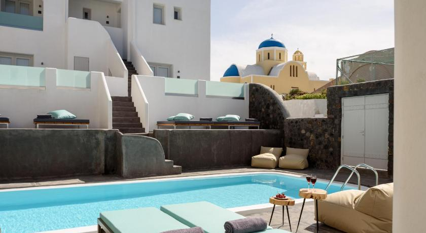 Best time to travel Greece Elitoz Suites