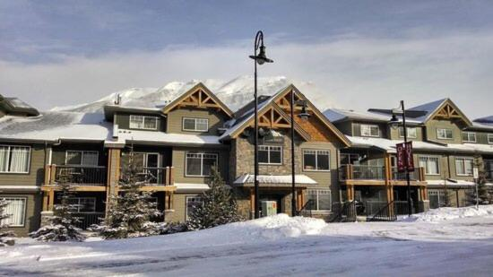 Best time to travel Canada 2 bdrm 2 bath condo in the Rockies