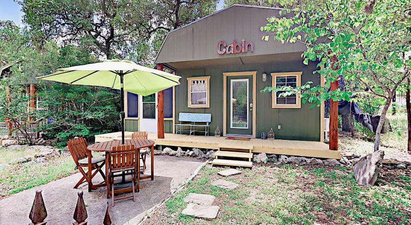 Best time to travel Austin 10202 Wommack Rd Cabin