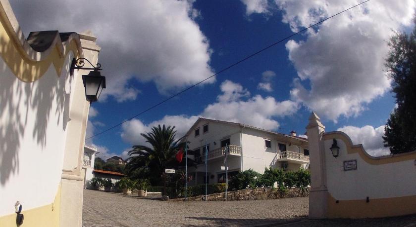 Best time to travel Portugal Alojamento Local Céu-Azul