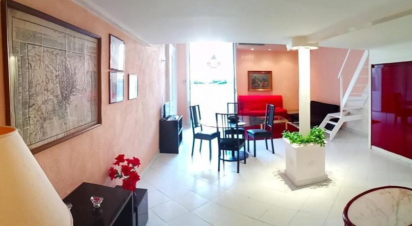 Four Suites Napoli Offerte Agoda