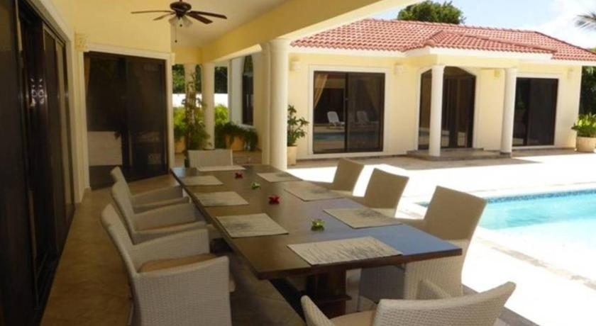 Biệt thự 4 Bedroom villa privacy in mind, gated and secure
