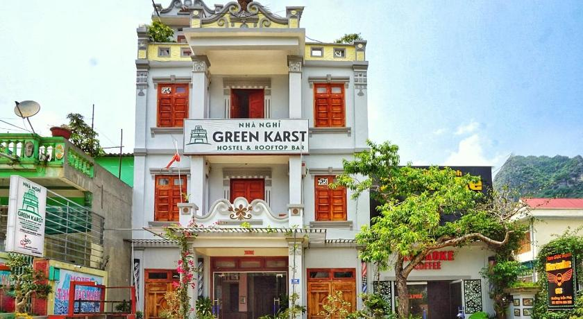 Green Karst Hostel & Bar