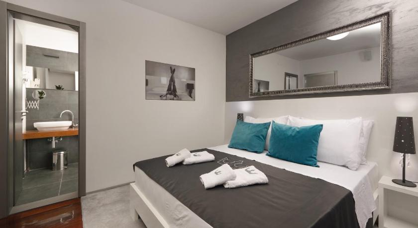 Standard Double Room Boutique Hotel Chevalier 18+