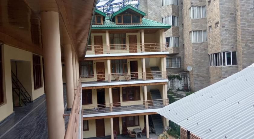 Hotel river bank b2b, Manali, India - Photos, Room Rates