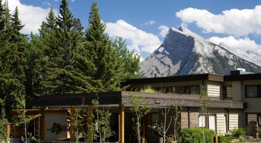 Best time to travel Canada The Juniper Hotel & Bistro