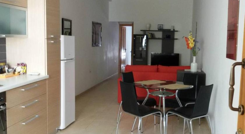 Best time to travel Malta Great Apartment,8min walk from sea!