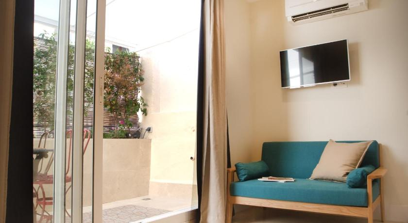 WE Town House with Terrace - Barcelona
