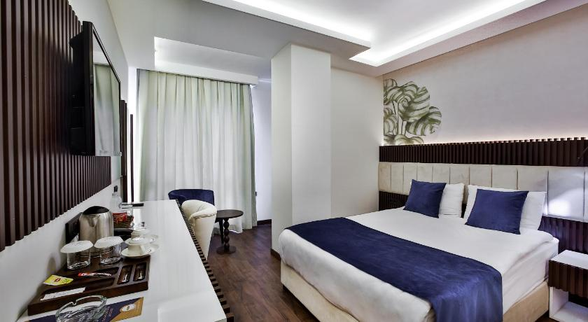 Budget Single Room Kavala Hotel