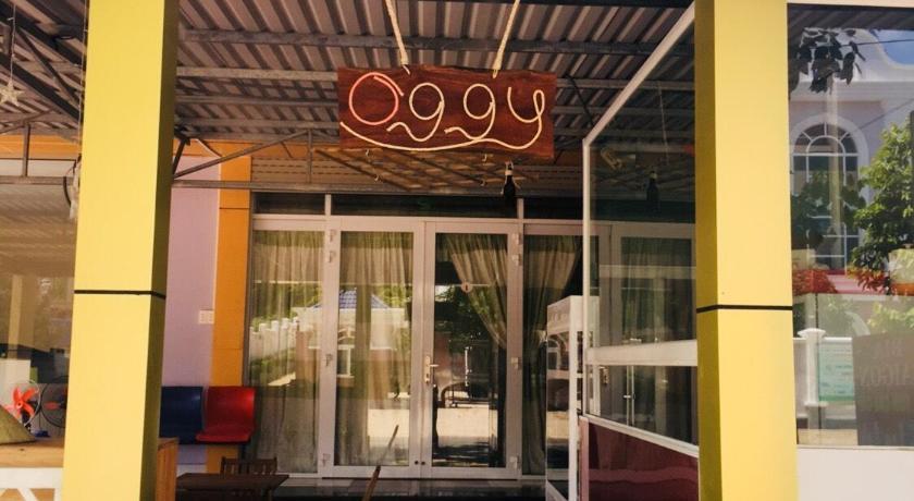 OGGY HOUSE
