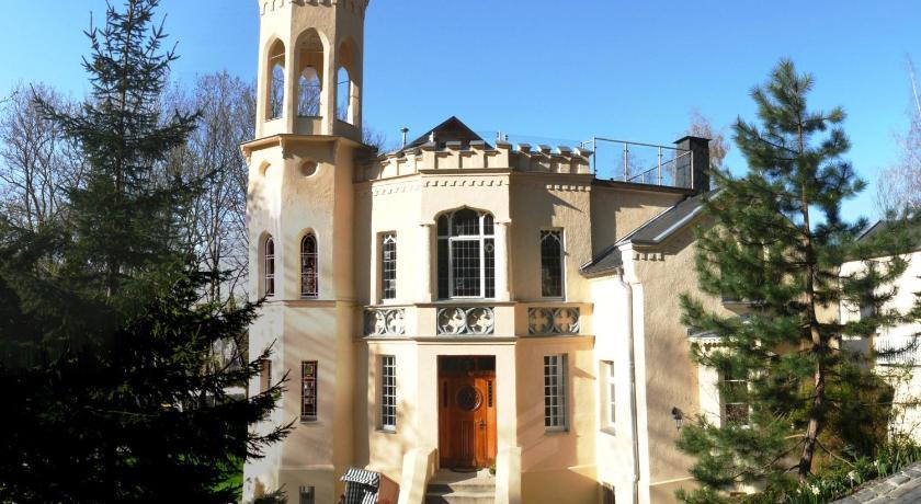Best time to travel Germany Villa Rosenburg