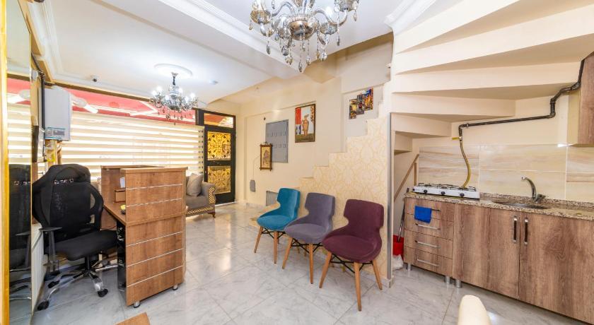KUMKAPI ROMANOS HOTEL
