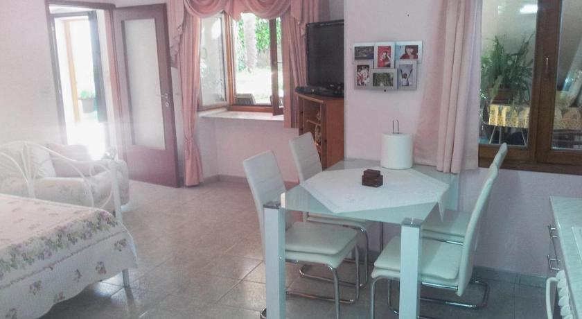 Studio with Terrace Apartments and rooms with parking space Nerezine (Losinj) - 8049