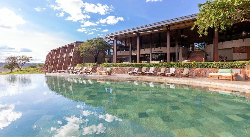Best time to travel Tanzania Melia Serengeti Lodge