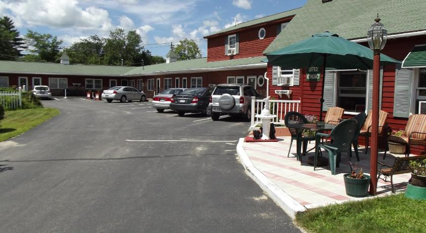 Best time to travel New England Midway Lodging