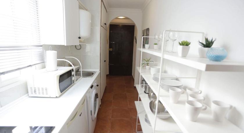 Кухни Малага. Заказать и купить кухни в Москве по низким ценам. | 460x840