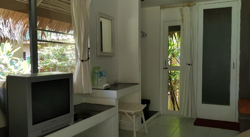 Double Room with Pool View Phayam Cottage Resort