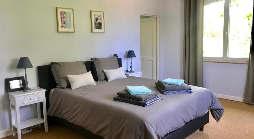 Double Room with Private Bathroom Chambres d'hotes Coursaint-Pierre Monflanquin