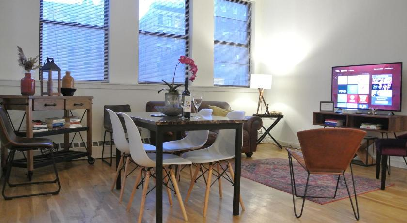 Best time to travel New York City Downtown 3bed/2bath apartment