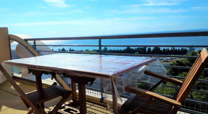 T2 vue panoramique, piscine, parking, wifi, netflix, ascenseur ...