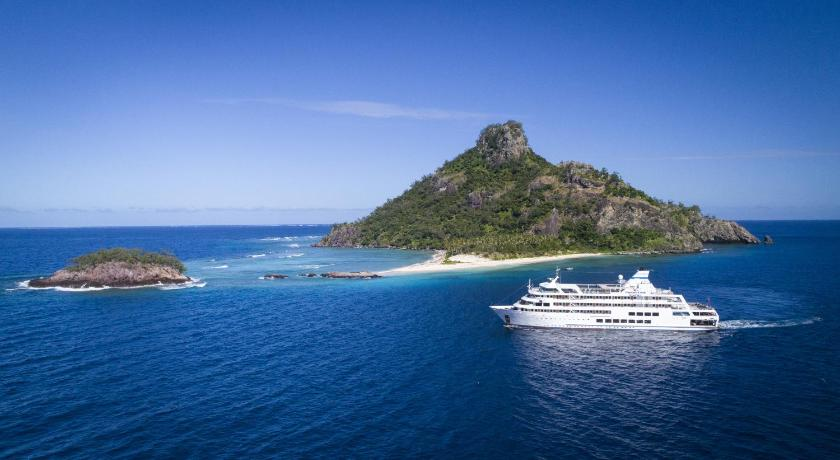 Captain Cook Cruises Fiji - Reef Endeavour Hotel (Nadi) - Deals