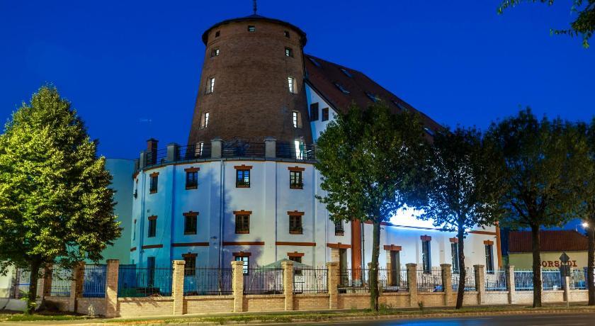 Best time to travel Nyíregyháza Malom Hotel