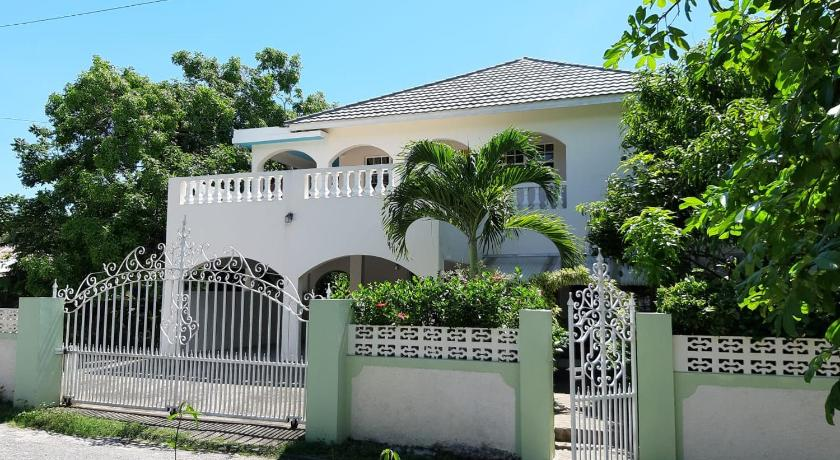 Mer om Green's Palace Jamaica