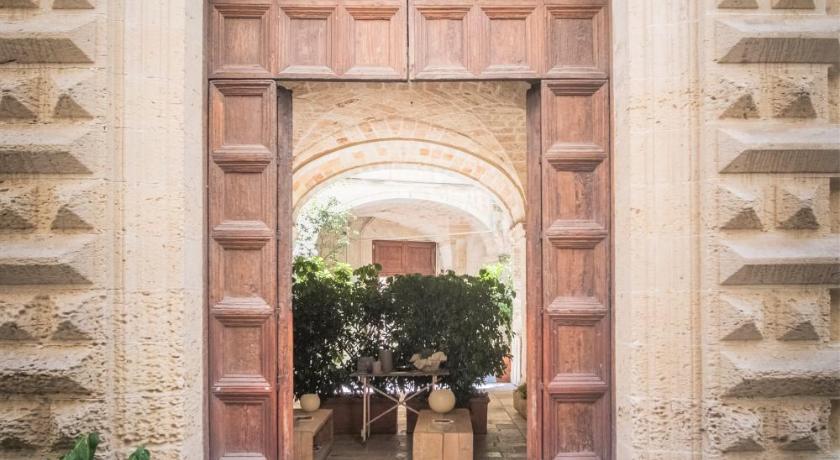 Vico dei Bolognesi Palazzo Personè