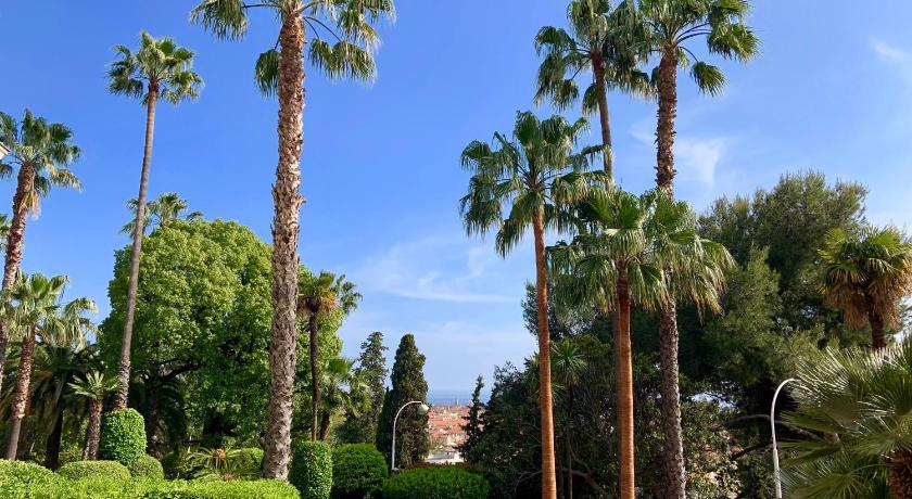 Best time to travel French Riviera Palais l'Hermitage