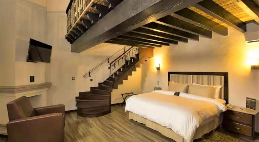 Best time to travel Mexico La Casa De Los Dos Leones