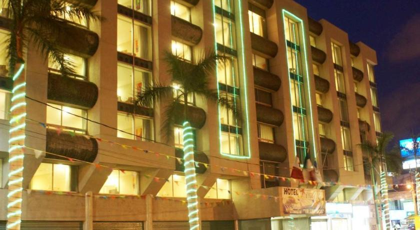 Best time to travel Acapulco Hotel Tortuga Express