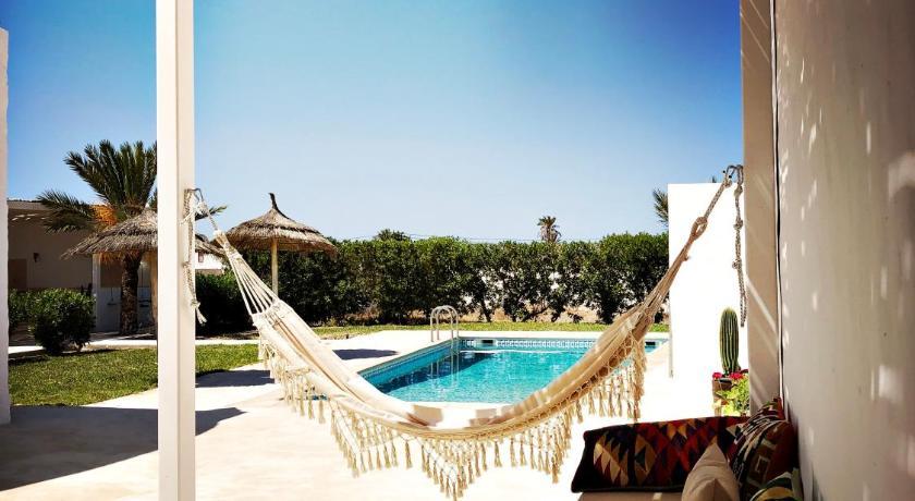 Best time to travel Tunisia Dar Dina : peaceful paradise in Djerba