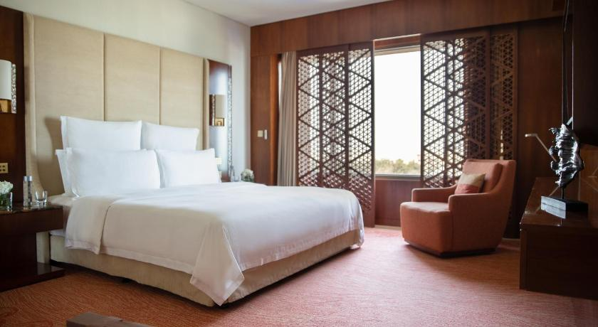 Deluxe Double Room Jumeirah Messilah Beach Hotel & Spa Kuwait