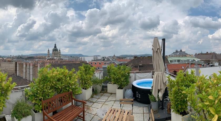Rooftop Luxury Downtown Budapest Entire apartment - Deals ...