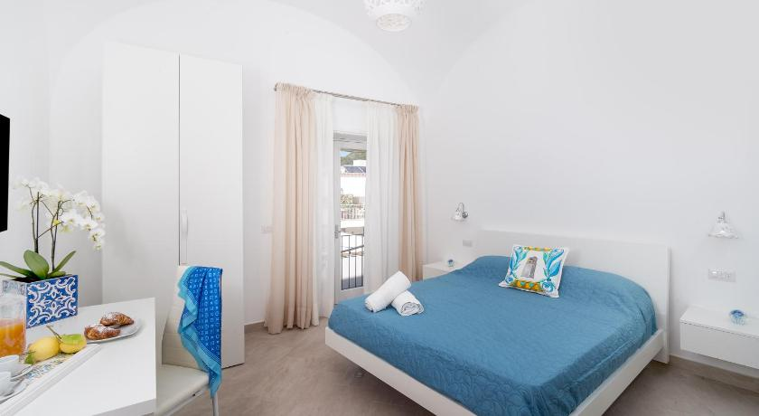 Best time to travel Capri Caprita Guest House