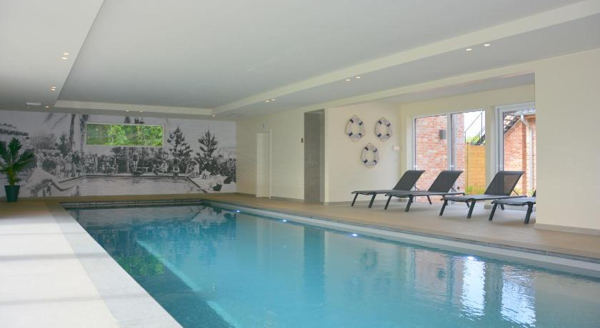 Vila   DuinenGras ***** Indoorpool and Wellness.