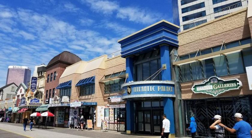 Atlantic Palace On The Boardwalk Oceanfront Studio Atlantic City Nj United States Photos Room Rates Promotions