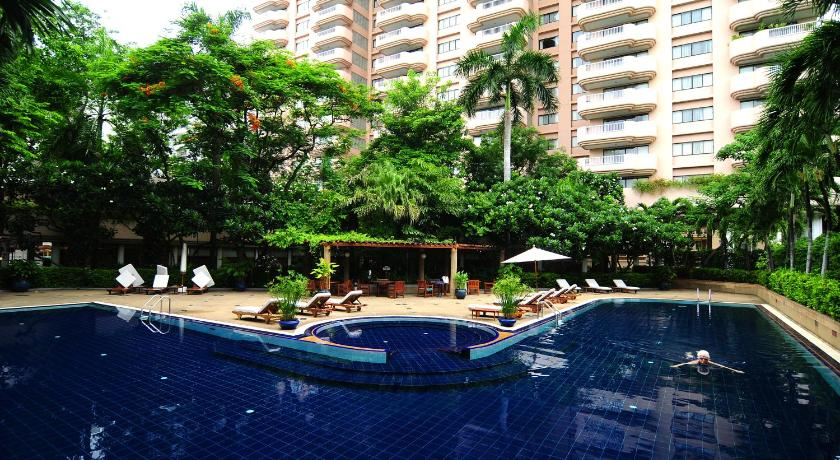 Best time to travel Bangkok Pantip Suites