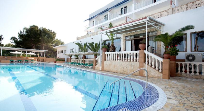 Best time to travel Spain Hotel & Spa Entre Pinos