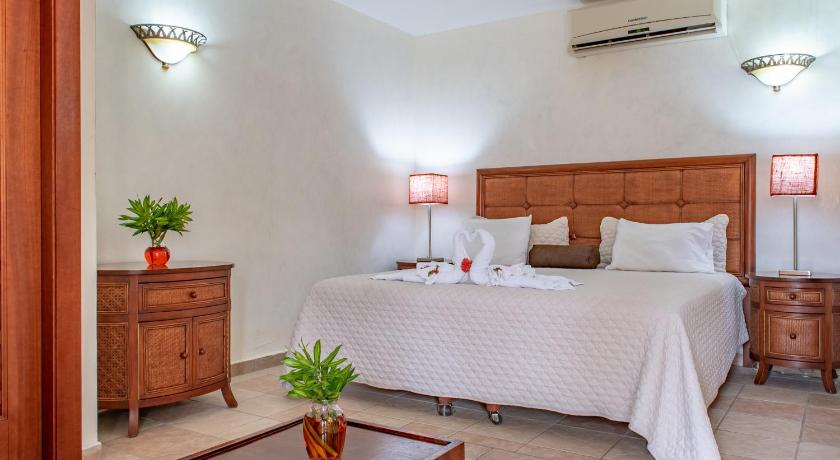 Double Room with Balcony West Bay Colonial Hotel