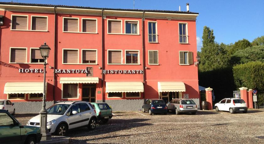 Best time to travel Italy Hotel Mantova