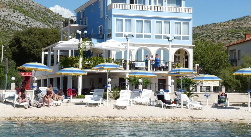Best time to travel Solin Villa Mediterana