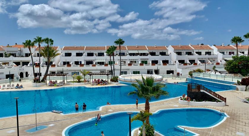 One Bedroom Apartment Parque Don Jose with Huge Pool