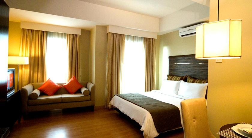 Best time to travel Pasig Lancaster Hotel