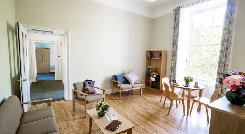 Single Room in 2 or 3 Bedroom Apartment Trinity College - Campus Accommodation