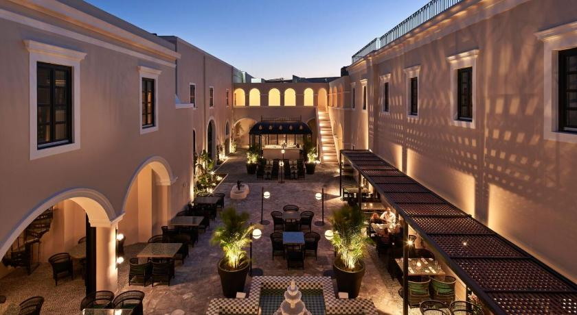 Katikies Garden Hotel
