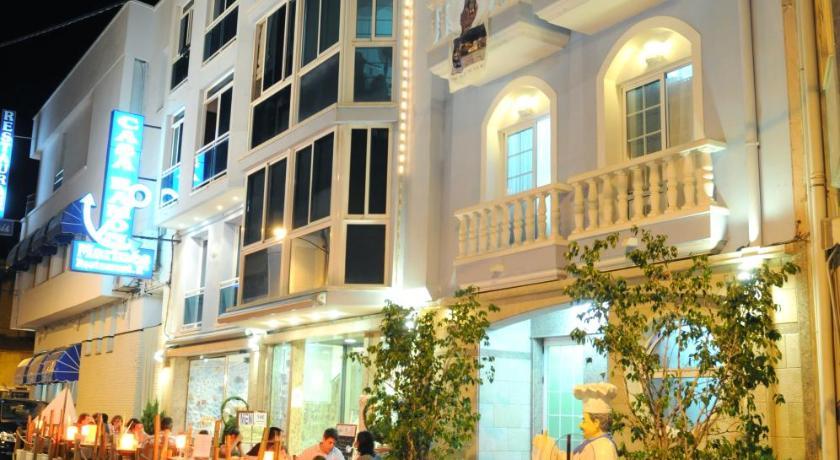Best time to travel Costa Daurada Hostal Can Marinés