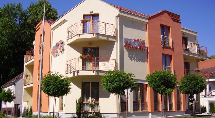 Best time to travel Croatia Hotel Mladimir