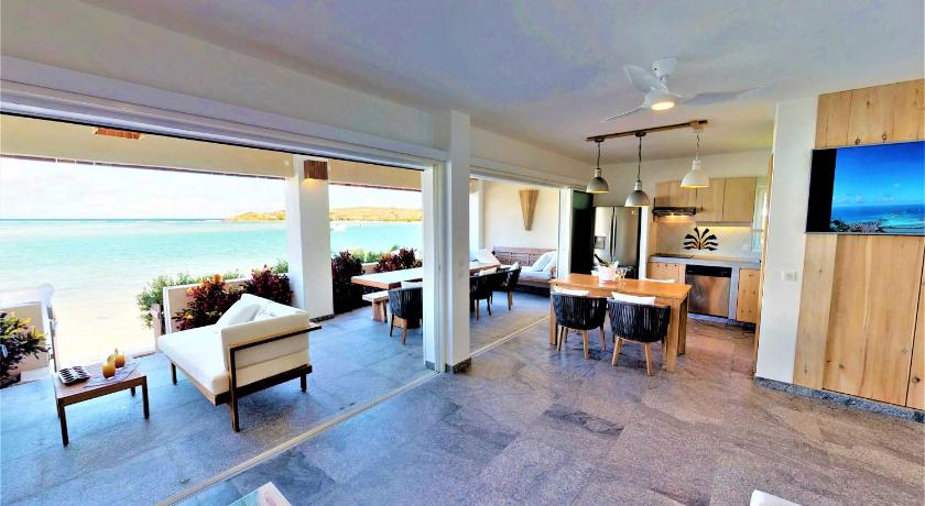 Two-Bedroom Suite with Jacuzzi, Beachfront