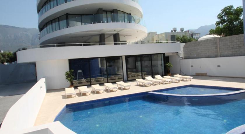 Best time to travel Cyprus La Perla - Apt 7